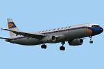 Airbus A321-231 Lufthansa Retro D-AIDV (8788481606).jpg