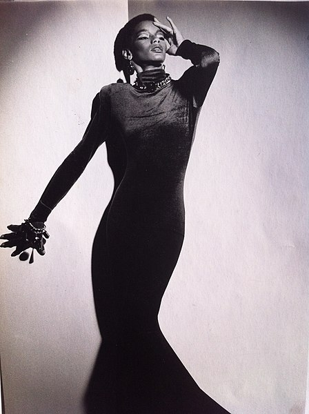 File:American fashion model Renée Gunter modeling haute couture in Paris circa 1970s.jpg