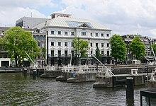 220px-Amsterdam_Carr%C3%A9_Amstelsluizen.jpg
