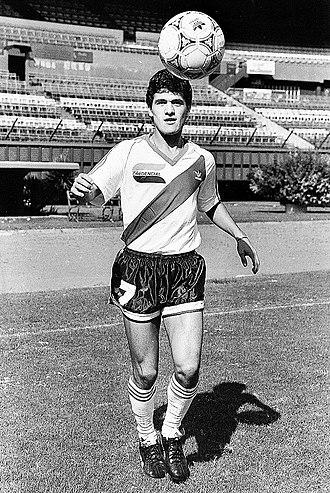 Ariel Ortega - Ortega in 1991, playing in River Plate.