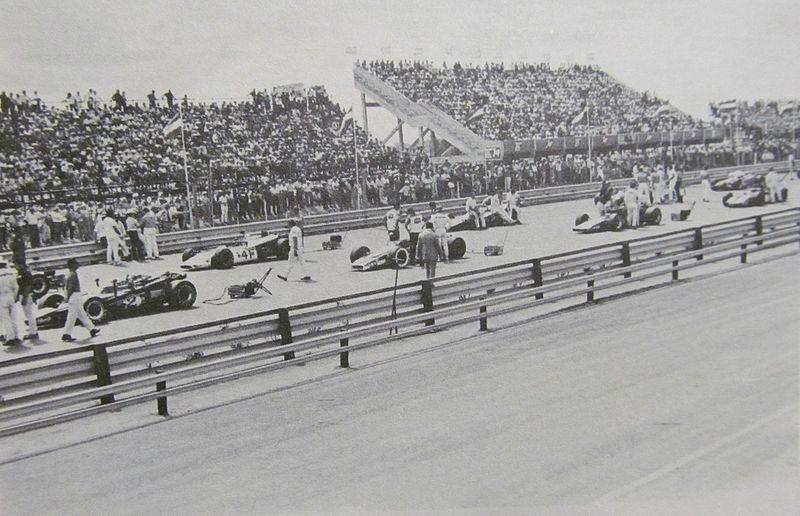 Archivo: Autódromo de Rafaela - 300 Millas Indy.JPG