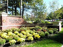 Babson college main gate.JPG