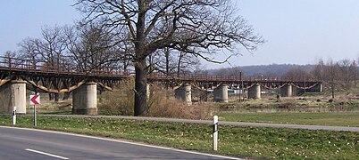 Bahnbrücke Bad Muskau.jpg