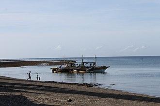 Marinduque - Image: Bakulong Boat