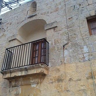 Ta' Xindi Farmhouse - The balcony and niche at Ta' Xindi Farmhouse