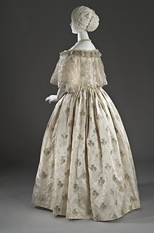 Ball Dress LACMA M.2007.211.872a-b (6 of 7).jpg