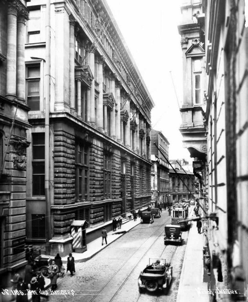 Bankalar Caddesi in the 1920's