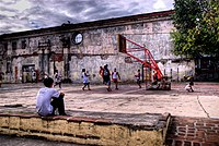 Basketbol 200px-Basketball_in_Intramuros