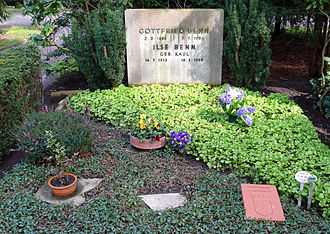 Gottfried Benn - Benn's tomb in Berlin