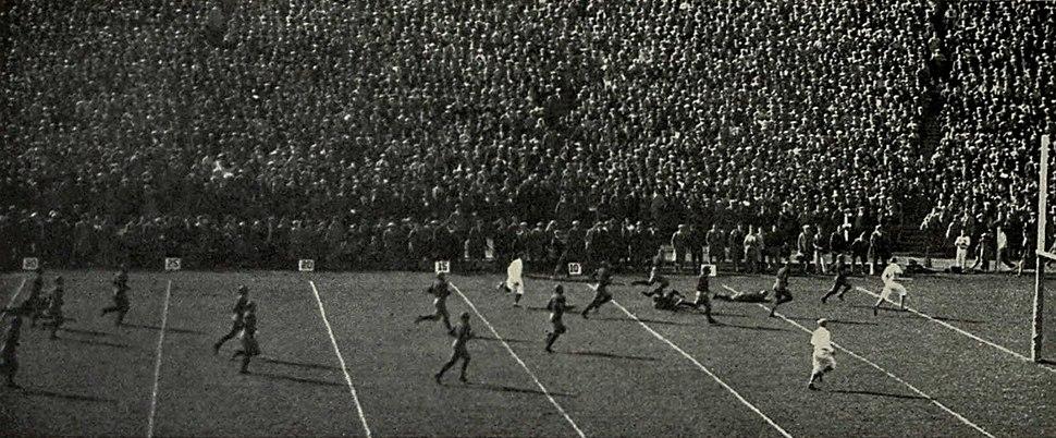 Benny Friedman touchdown vs. Wisconsin (1925)