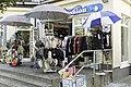 Binz auf Rügen Strandprommenade mit Einkaufsmöglichkeiten - panoramio.jpg