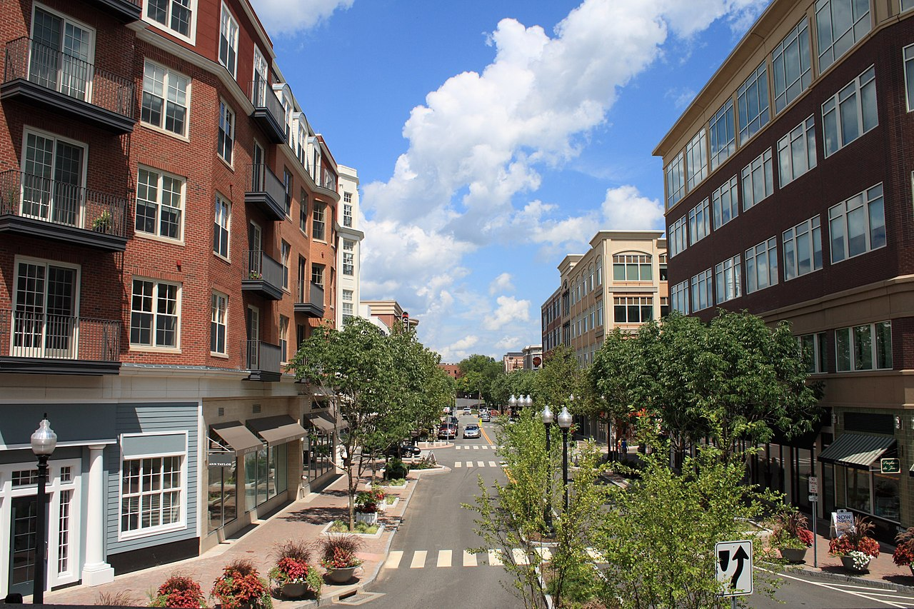File:Blue Back Square in West Hartford, Connecticut 2 ...