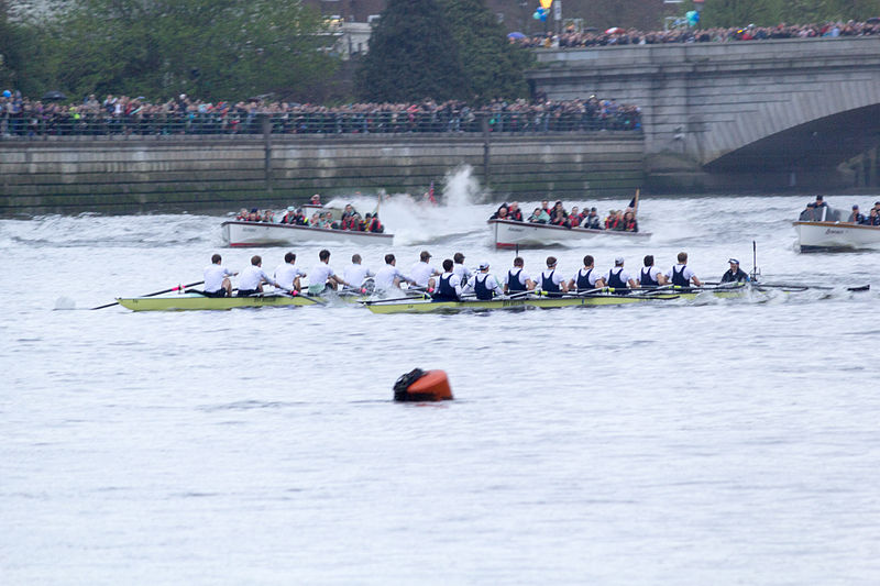 The BNY Mellon Boat Race 2014 by Katie Chan - http://commons.wikimedia.org/wiki/File:Boat_Race_2014_-_Main_Race_(83).jpg