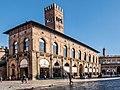Bologna -- Piazza Maggiore.jpg