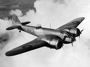 飛行するブレニム Mk.I L1295号機 (1938年撮影)