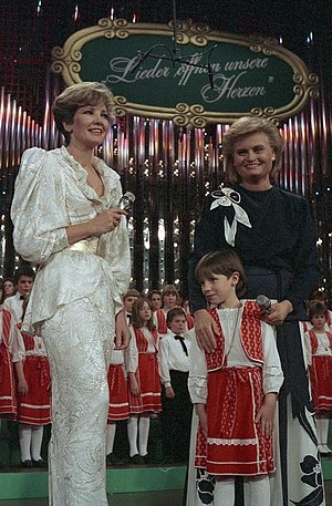 Carolin Reiber - Carolin Reiber (left) with Hannelore Kohl, at Christmas concert, 1986