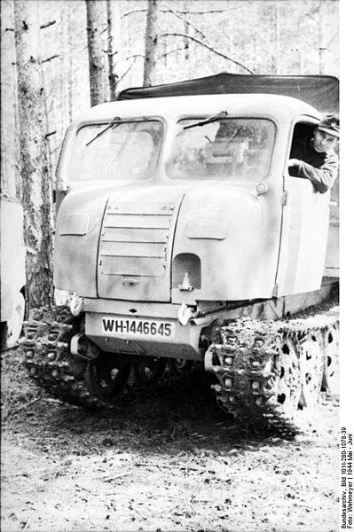 File:Bundesarchiv Bild 101I-280-1078-39, Russland bei Witebsk, Raupenfahrzeug.jpg
