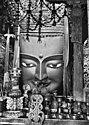 Bundesarchiv Bild 135-KA-10-024, Tibetexpediton, Statue in Tashi Lhunpo.jpg