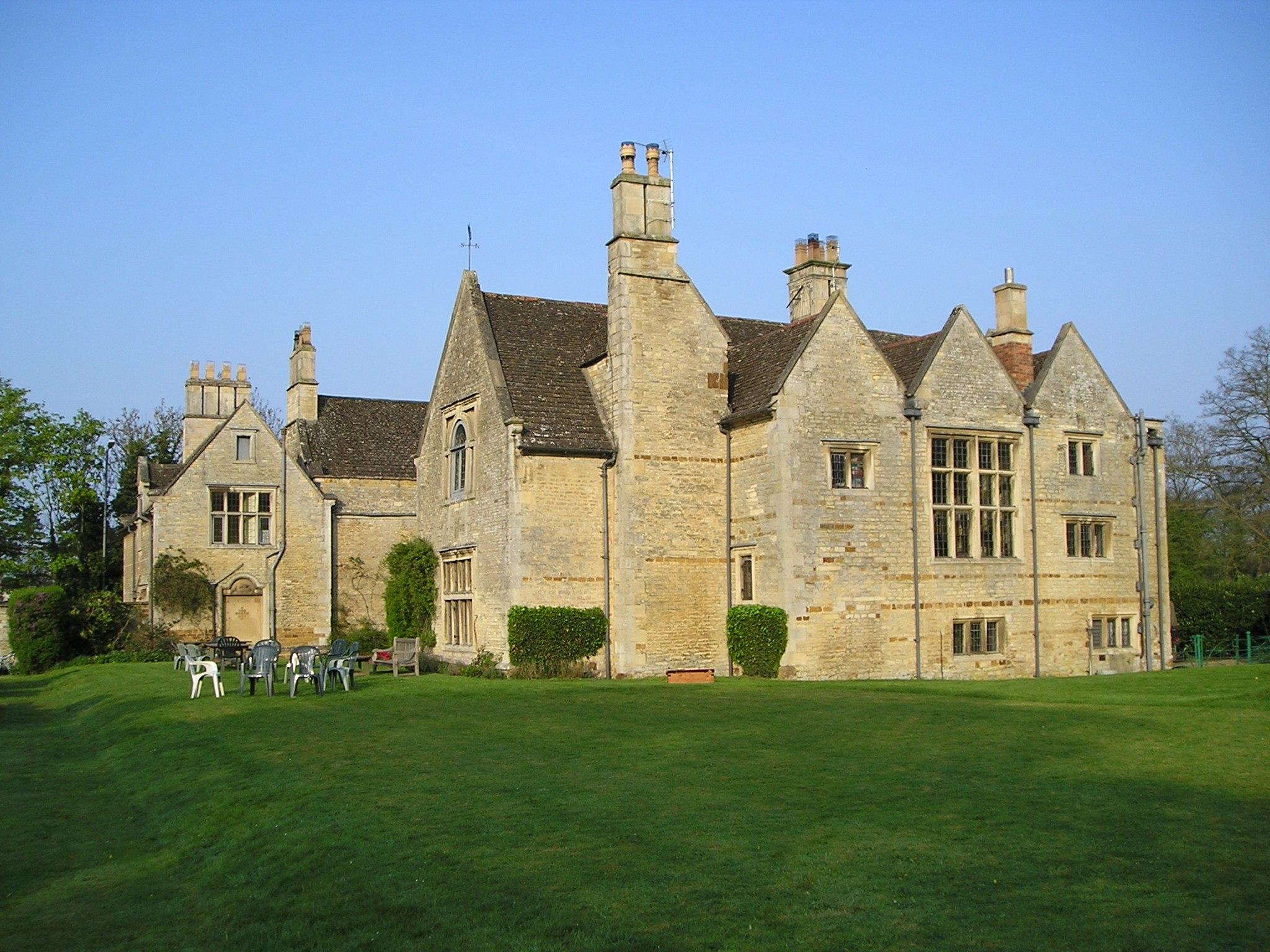 Burton Latimer Hall (geograph 2363139)
