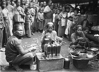 Jamu - Jamu sellers in Yogyakarta, ca. 1910.
