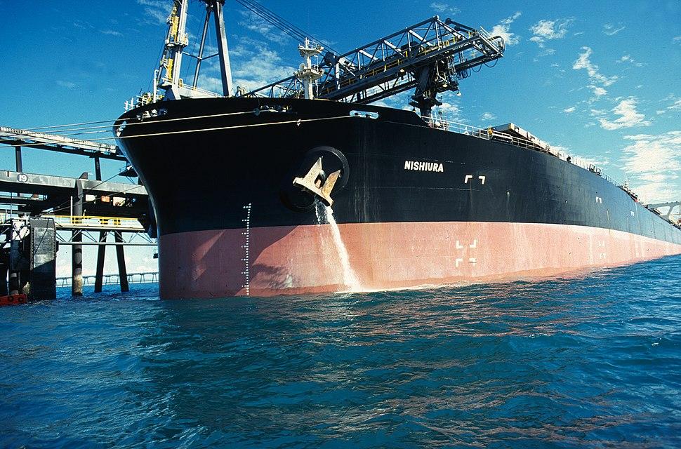 CSIRO ScienceImage 1010 Discharging ballast water