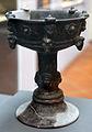 Calice in bucchero su alto piede con decorazioni a rilievo, da poggio buco (GR), 550-525 ac ca..JPG