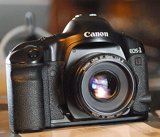 Canon EOS-1V - The Canon EOS-1v with EF 50 mm f/1.8 II lens