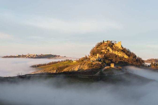 Castello Canossa.jpg