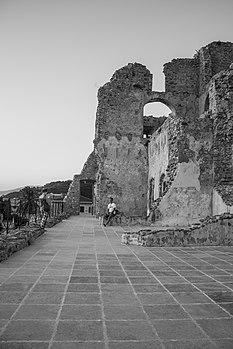 Castello Fiumefreddo Bruzio Cosenza.JPG