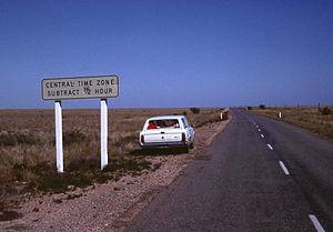 Time in Australia - Road sign near Broken Hill