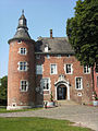 Château de Monceau-sur-Sambre - 02.jpg