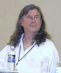 Charles Vess at FaerieCon 2009 Pic A.jpg