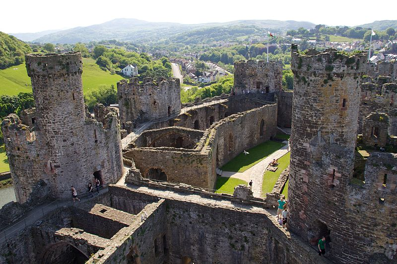 File:Conwy Castle 12.jpg