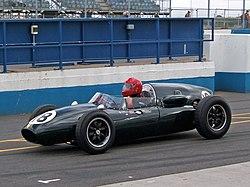 Cooper T45 Donington pits.jpg