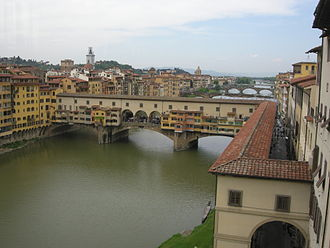 Vasari Corridor - Vasari's tile-roofed Corridoio running from the Uffizi (right) across the Ponte Vecchio on its way to link Palazzo Pitti