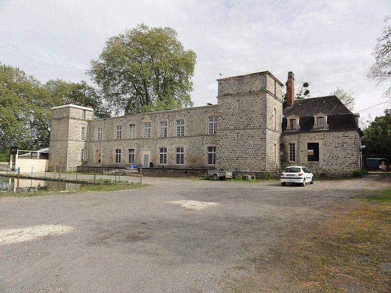 Coucy-lès-Eppes (Aisne) château, (en 2015 disco)