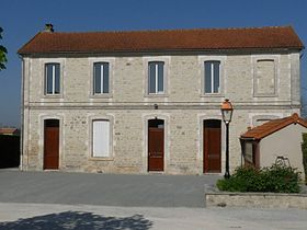 Coulonges mairie.JPG