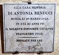 Cripta di san lorenzo (salone donatello), lapide antonia benucci.JPG