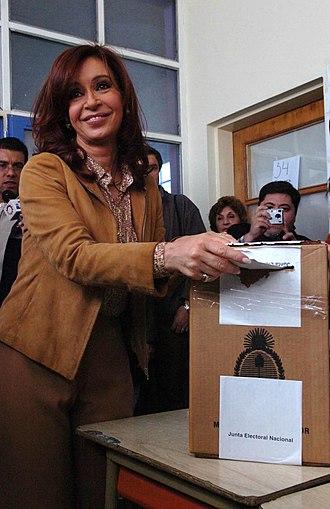 Argentine general election, 2007 - Image: Cristina vota