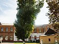 DSCF4351 Будинок школи, в якій навчався Бажанов Ю. П.jpg