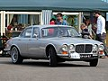 Daimler Sovereign 4.2 , Dutch licence registration AH-64-87 pic2.JPG