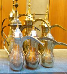 Dallah (coffee pot) - Wikipedia
