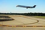Delta N940DL McDonnell-Douglas MD-88 (21651485342).jpg