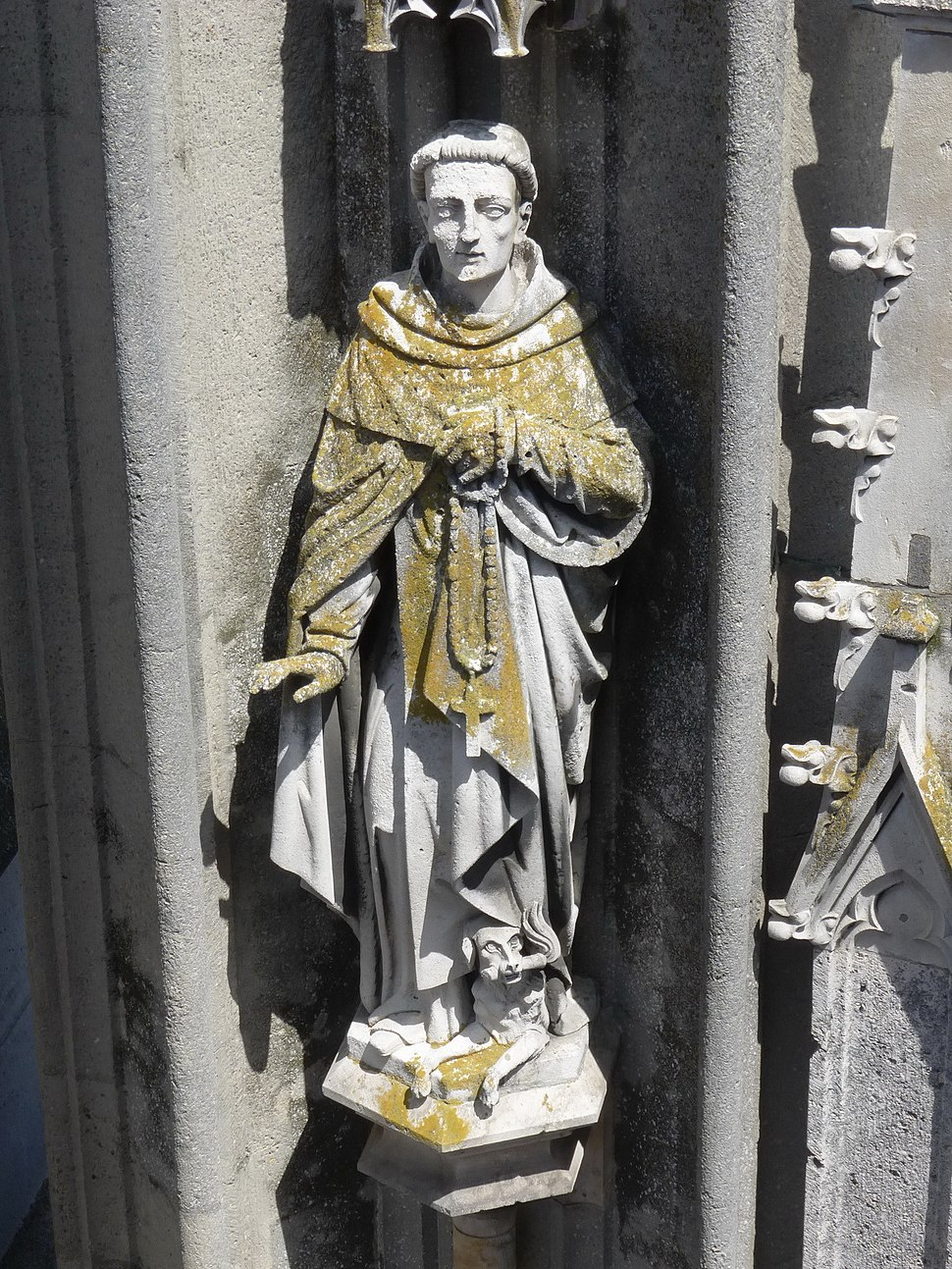 Der Heilige Dominikus am Nordturm des Regensburger Doms