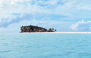Desert island island without permanent human population
