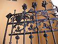 Detall de la porta de ferro del palau de l'Exposició de València.JPG