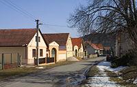 Domy u silnice od Plzně (Nadryby).jpg