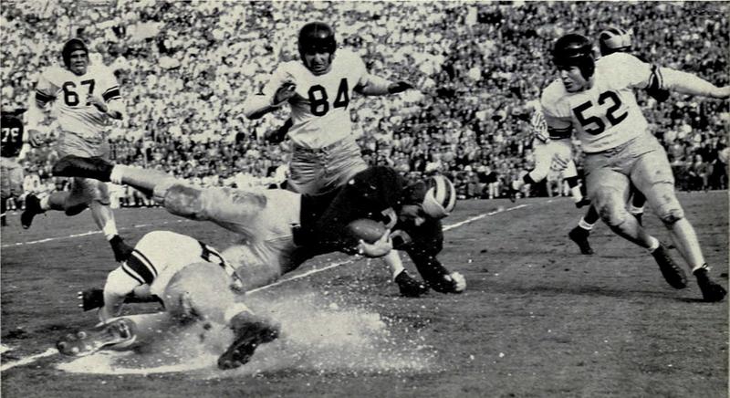 File:Don Dufek tackled in 1951 Rose Bowl.png