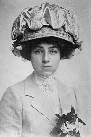Dorothy Payne Whitney - Dorothy Payne Whitney in 1915