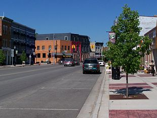 """Downtown Williamston, looking eastward on <a href=""""http://search.lycos.com/web/?_z=0&q=%22Grand%20River%20Avenue%22"""">Grand River Avenue</a>."""
